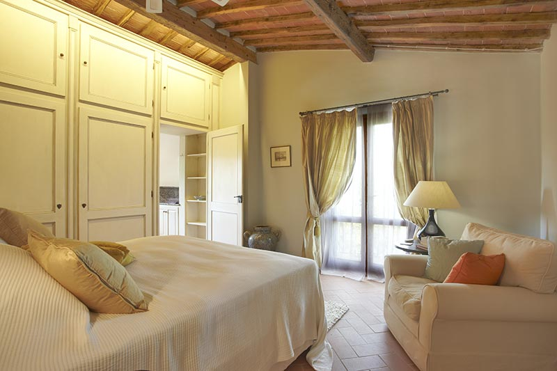 Firenze - Luxury Bedroom at Villa Marae